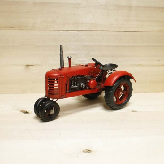 Tractor metal rojo