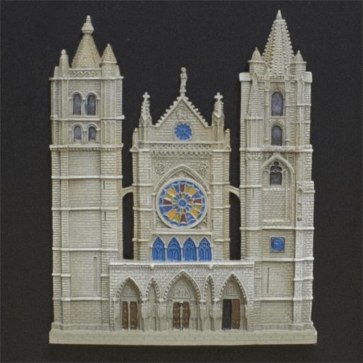 Catedral de Le? con caja...